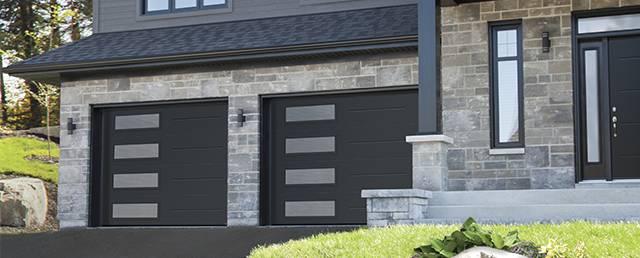 Vog, 9u0027 X 7u0027, Black, Window Layout: Left Side